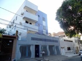 Apartamento semi-novo no Centro