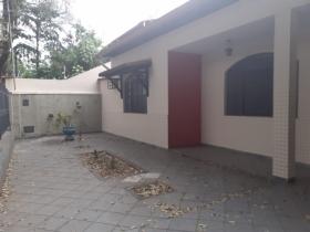 Casa Térrea em Lote Inteiro